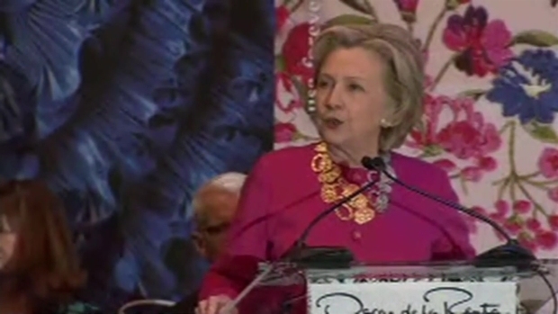 [NATL-NY] 'Oscar de la Renta is What USA Forever Means': Hillary Clinton Honors Late Designer, Friend