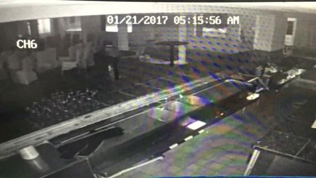 [NATL-DFW] Wave Crashes Through California Restaurant, Caught on Cam