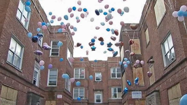 [CHI] Balloon Launch Honors Fire Victims