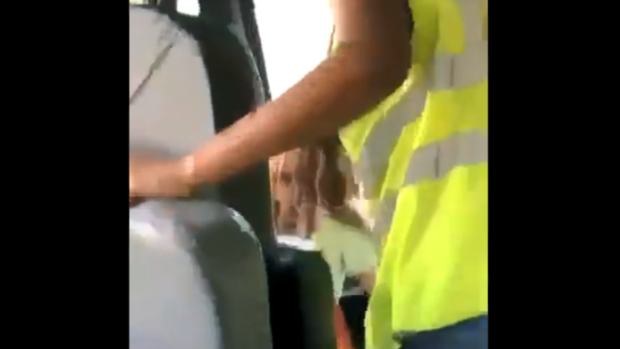[CHI] Videos Allegedly Show Indiana Bus Driver Letting Kids Drive
