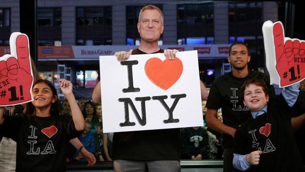 [NY] Mayor De Blasio Plans Vacation as LIRR Strike Looms