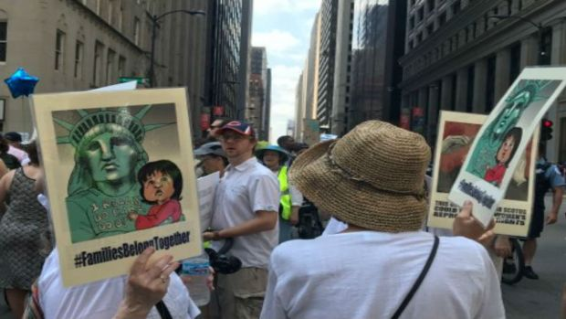 Chicagoans Protest Trump's Zero-Tolerance Immigration Policy