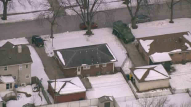 [CHI] Standoff Ends With Man Dead, Hostages Released