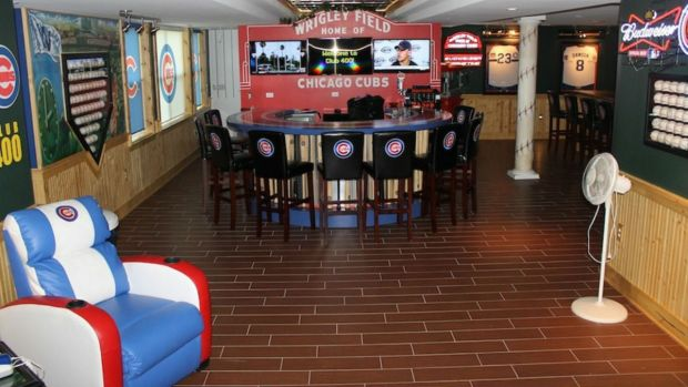 Chicagoan Creates Ultimate Cubs Man Cave