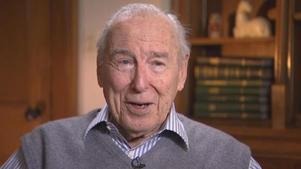 [CHI] Jim Lovell at 90: Still in Love With Adventure