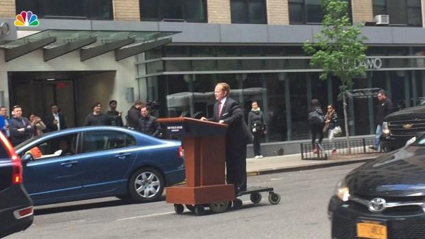 [NATL] Melissa McCarthy Hits Manhattan Streets as Sean Spicer