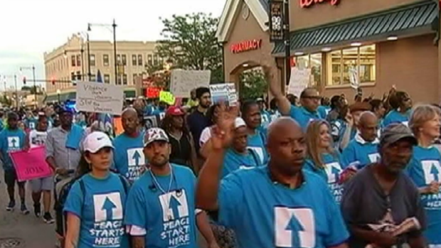 [CHI] Chicagoans Rally Together in Peace March
