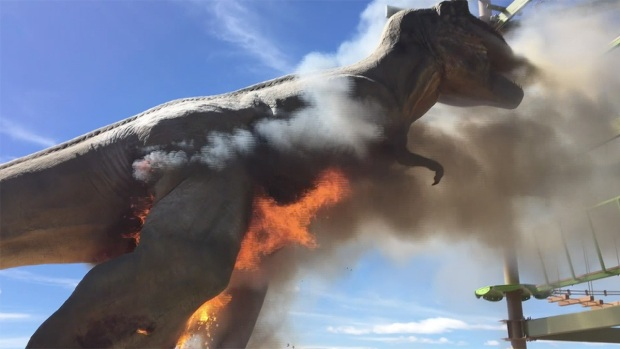 [NATL] Raw: Life-Size T-Rex Goes Up in Flames