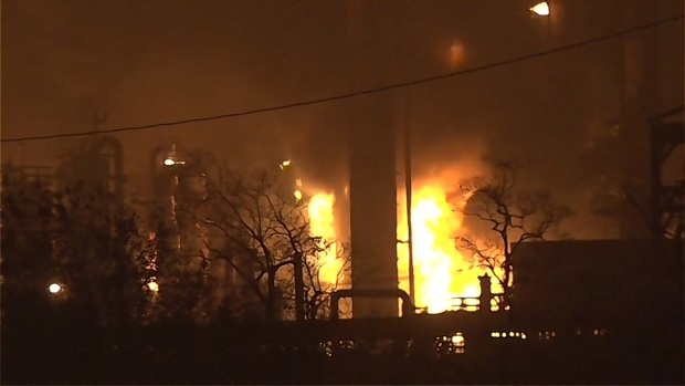 [NATL-DFW] Raw Video: Fire Burns at Texas Plant After Explosion