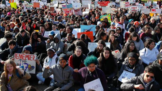 [CHI] Thousands Expected Saturday at Chicago's March for Our Lives
