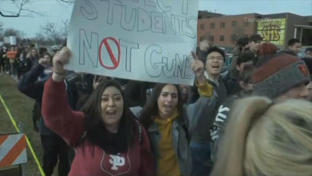 Chicago-Area Teens to Participate in Nationwide Walkout