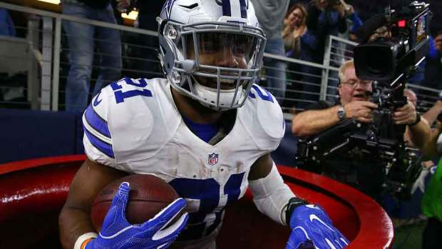 In Pictures: Zeke's Red Kettle Moment