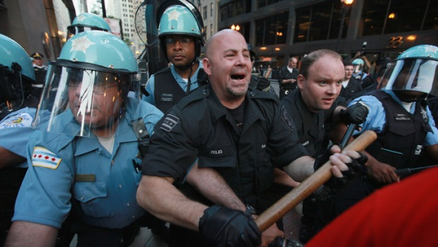 [CHI] Police, Protesters Clash at State & Washington