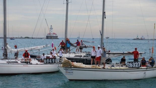 PHOTOS: Sailors Kick Off Race to Mackinac 2011
