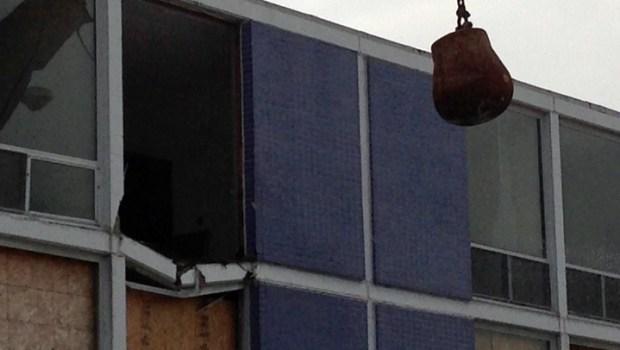 [CHI] Raw Video: Purple Hotel Demolition