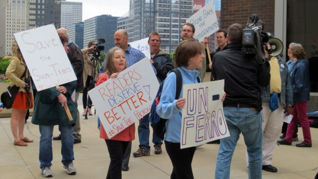 [CHI] Laid Off Photographers Picket Sun-Times Building