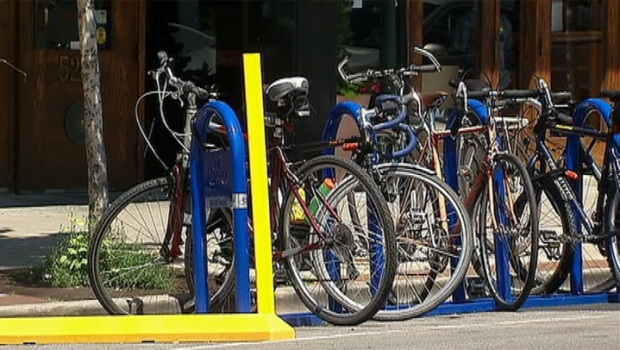 [CHI] City's First Bike Corrals Installed in Andersonville