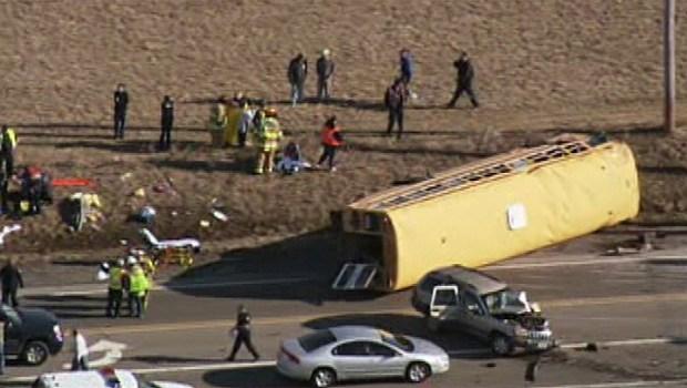 [CHI] Raw Video: Newport School Bus Crash