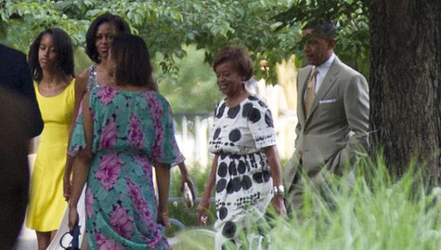 [CHI] Obamas Attend Neighborhood Wedding