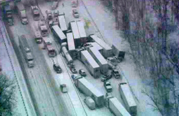 [CHI] Sky 5 Footage of Massive I-94 Pileup