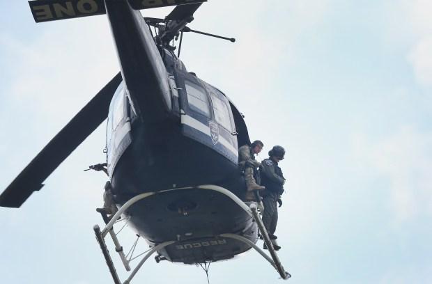 [NATL-CHI] Manhunt, Lockdown Continues in Fox Lake