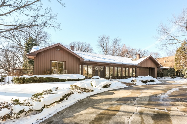 See Inside Dick Portillo's Former Suburban Chicago Home