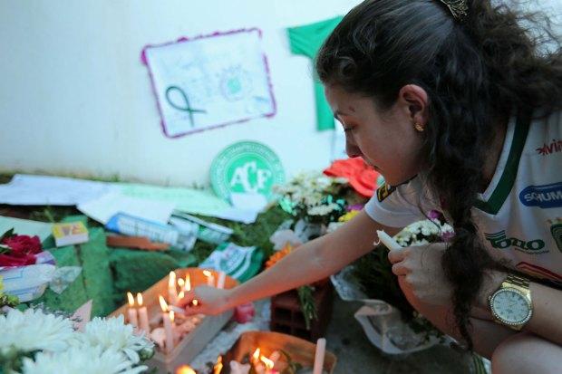 [NATL] Soccer World Mourns Brazilian Players Killed in Plane Crash