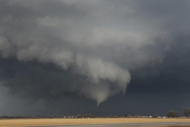Photos Show Tornado Formation in Illinois