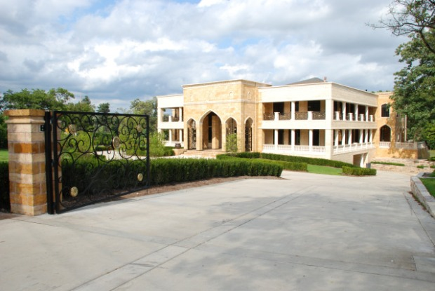 Go Inside the Villa Taj