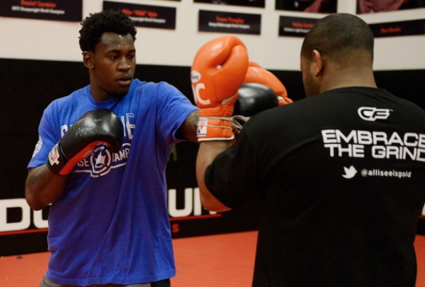 Aldon Smith Works Out With UFC Fighter Daniel Comier
