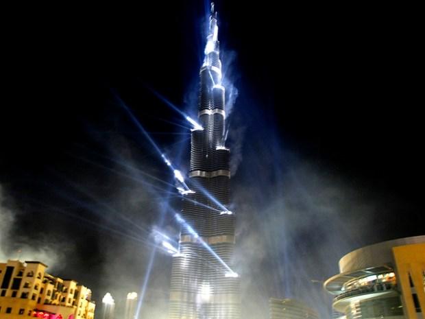 Pics: Burj Khalifa's Spectacular Debut