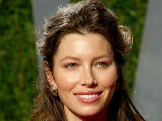 "[NBCAH] Jessica Biel Strips Down for ""Powder Blue"""