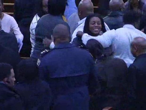 [CHI] Hundreds Pay their Respects to a Fallen Police Officer