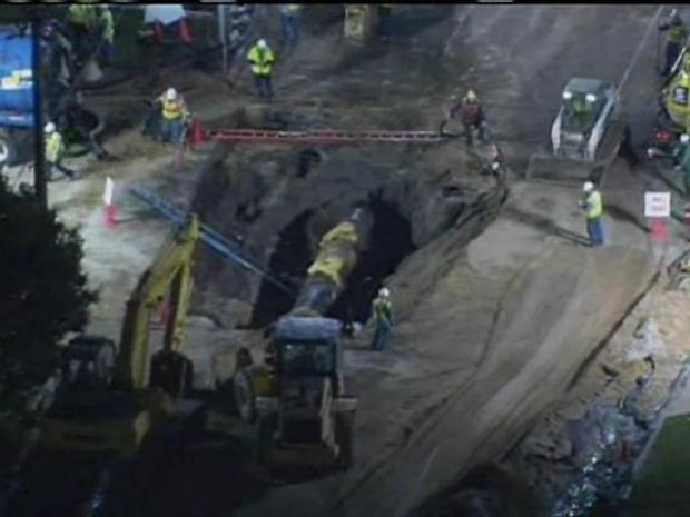 [CHI] Crews find and secure hole in pipeline