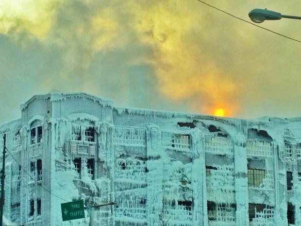 [CHI] Bridgeport Warehouse Fire Flares Again