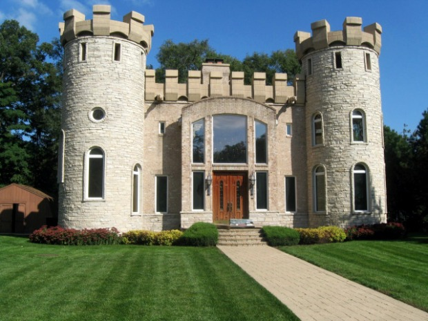 Square Feet: Inside the Schaumburg Castle