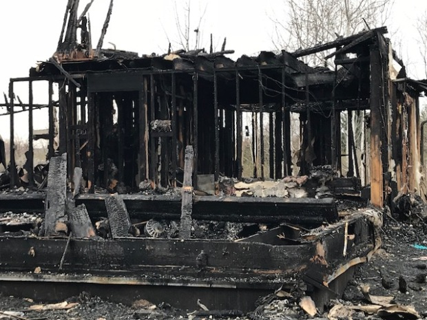 [CHI] Sheriff: 6 Dead in Rural Northern Illinois House Fire