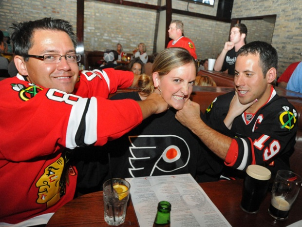Bar Crawl:  Where to Watch the Hawks