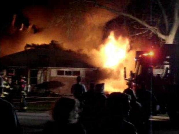 [CHI] Homewood House Fire Kills One and Injures 2 Firefighters