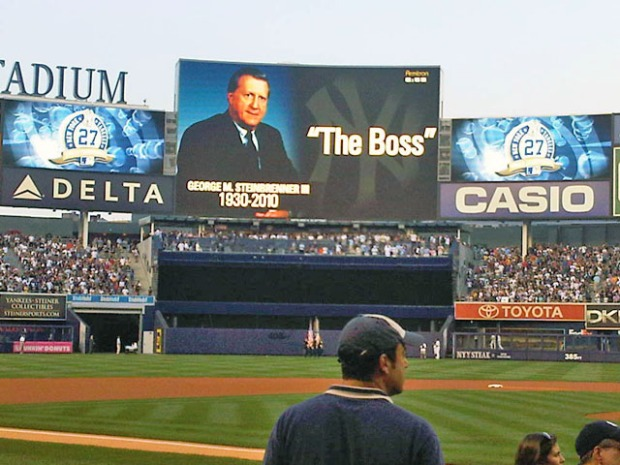 "Yankees Honor ""The Boss"" in Emotional Tribute"