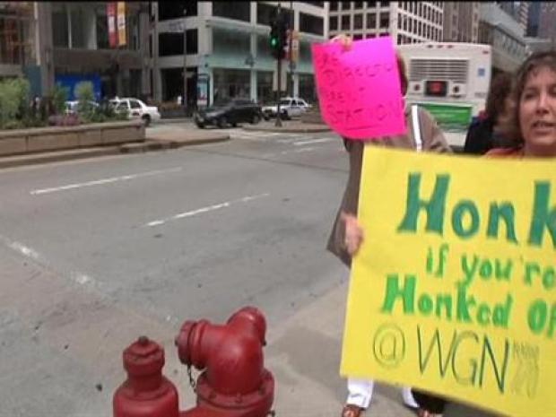 [CHI] BROLL: Kathy, Judy Protest Outside WGN