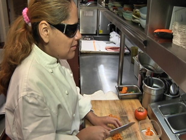 [CHI] Charlie Trotter's Chef Dishes Up Without Sight
