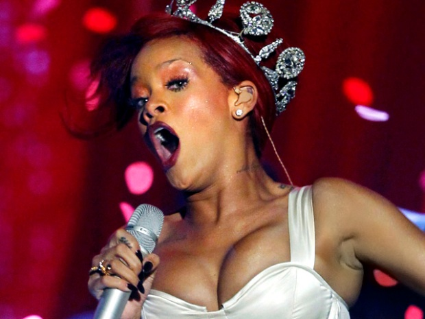 [NATL] MTV Europe Music Awards Sizzle With Celebrities