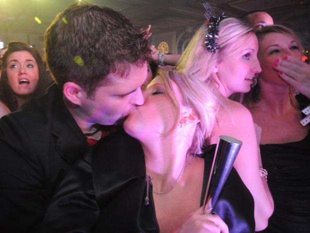NYE 2010: Pitbull, Playmates and Social-ites