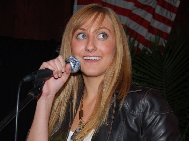 Idol Thoughts: Chicago Bar Seeks Top Vocalists