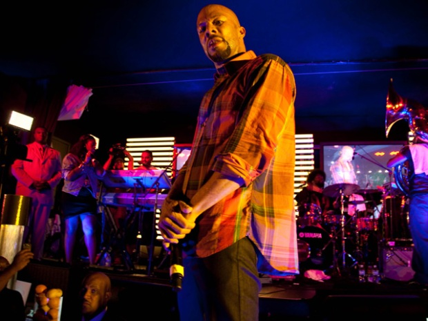 Common and the Roots Bless the Shrine