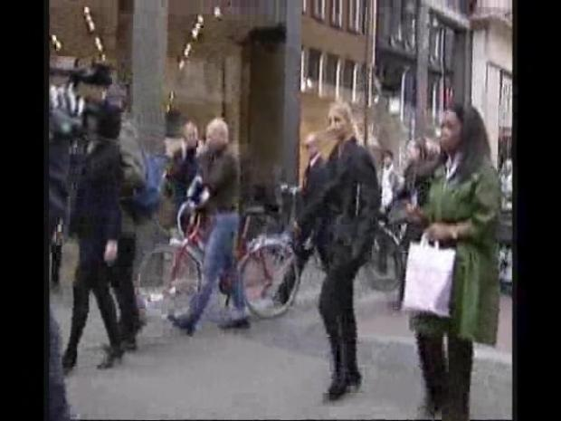 [CHI] Oprah Shops in Denmark