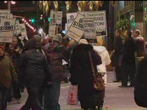 [CHI] Workers Walk off Job at Palmer House Hilton