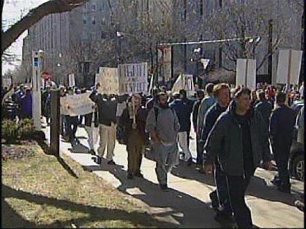 [CHI] Newly Unemployed Protest Outside UofC