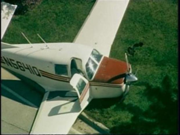 [CHI] Raw Video: Small Plane Crash-Lands On Suburban Road